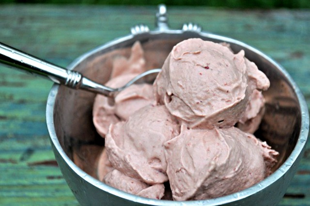 Peach Blackberry Ice Cream 2