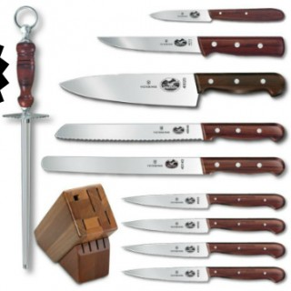 November Giveaway: Victorinox Knife Set Worth $266